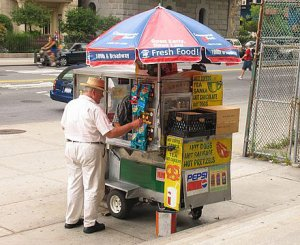 New-York-kiosk-hot-dog-hamburger-food.jpg